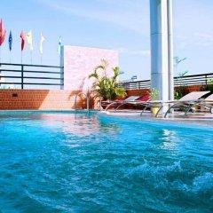 Olympic Hotel бассейн