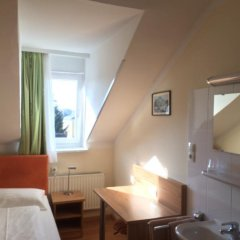 Отель Pension Jahn Зальцбург комната для гостей фото 2