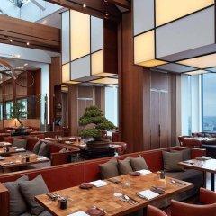 Отель Andaz Tokyo Toranomon Hills - a concept by Hyatt Япония, Токио - 1 отзыв об отеле, цены и фото номеров - забронировать отель Andaz Tokyo Toranomon Hills - a concept by Hyatt онлайн питание фото 3