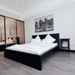 Апартаменты LUXKV Apartment on Zemlyanoy Val 52 комната для гостей фото 2