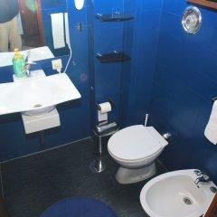 Отель Residencial Faria Guimarães ванная