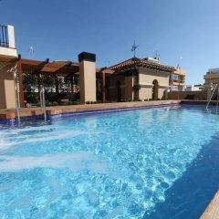 Отель Casa Consistorial Испания, Фуэнхирола - отзывы, цены и фото номеров - забронировать отель Casa Consistorial онлайн бассейн