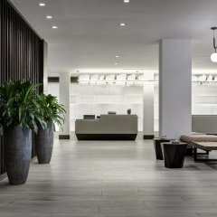 Отель New York LaGuardia Airport Marriott США, Нью-Йорк - отзывы, цены и фото номеров - забронировать отель New York LaGuardia Airport Marriott онлайн интерьер отеля фото 2