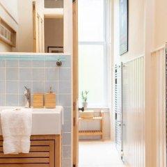 Отель Charming 2-bedroom apt in the Heart of West End Глазго ванная