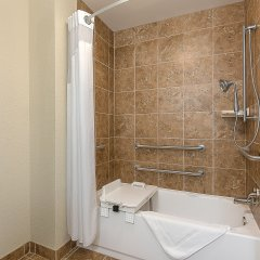 Отель Holiday Inn Express and Suites Lafayette East ванная