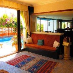 Club Pirinc Hotel комната для гостей