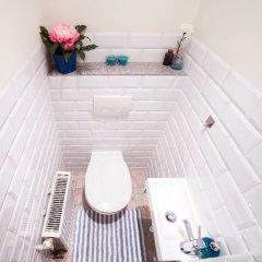 Отель Little Home - Colosseum Польша, Варшава - отзывы, цены и фото номеров - забронировать отель Little Home - Colosseum онлайн ванная