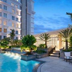 Отель Park Hyatt Saigon Вьетнам, Хошимин - отзывы, цены и фото номеров - забронировать отель Park Hyatt Saigon онлайн бассейн фото 2