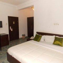 Thornberry Savannah Suite Hotel сейф в номере