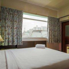 Отель Ruamchitt Travelodge Бангкок комната для гостей фото 3