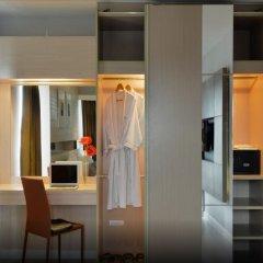 Hotel Amber Sukhumvit 85 Бангкок сейф в номере