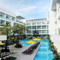 Отель The Old Phuket - Karon Beach Resort бассейн фото 3
