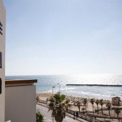 Отель Gordon By The Beach Тель-Авив пляж
