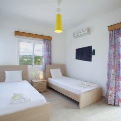 Отель Protaras Views Villa Кипр, Протарас - отзывы, цены и фото номеров - забронировать отель Protaras Views Villa онлайн комната для гостей