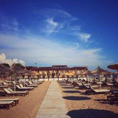 Отель Tropikal Resort Албания, Дуррес - отзывы, цены и фото номеров - забронировать отель Tropikal Resort онлайн пляж