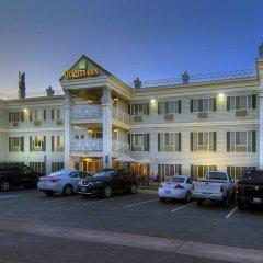 Отель Quality Inn парковка