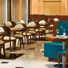 Отель Avani Deira Dubai Hotel ОАЭ, Дубай - 1 отзыв об отеле, цены и фото номеров - забронировать отель Avani Deira Dubai Hotel онлайн питание фото 2