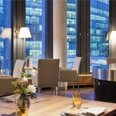 Отель Swissôtel Berlin Германия, Берлин - 2 отзыва об отеле, цены и фото номеров - забронировать отель Swissôtel Berlin онлайн интерьер отеля фото 2
