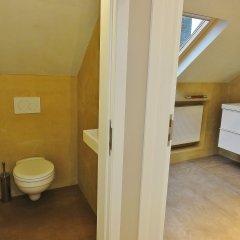 Отель Train Flat Бельгия, Брюссель - 1 отзыв об отеле, цены и фото номеров - забронировать отель Train Flat онлайн ванная фото 2