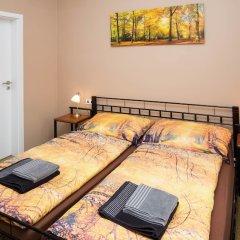 Апартаменты Apartment Four Year Seasons Прага комната для гостей фото 3