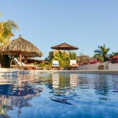 Отель Villas San Sebastián Мексика, Сиуатанехо - отзывы, цены и фото номеров - забронировать отель Villas San Sebastián онлайн бассейн фото 3