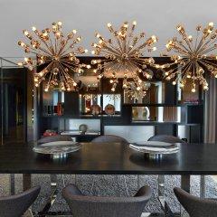 Отель W London Leicester Square гостиничный бар