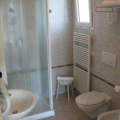 Отель Villa Mare Италия, Риччоне - отзывы, цены и фото номеров - забронировать отель Villa Mare онлайн ванная фото 2