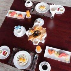 Отель Royal Airstrip Hotel Мьянма, Хехо - отзывы, цены и фото номеров - забронировать отель Royal Airstrip Hotel онлайн питание