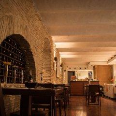 Отель Petit Palace Sevilla Canalejas Испания, Севилья - отзывы, цены и фото номеров - забронировать отель Petit Palace Sevilla Canalejas онлайн гостиничный бар