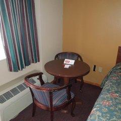 Отель Econo Lodge Columbus балкон