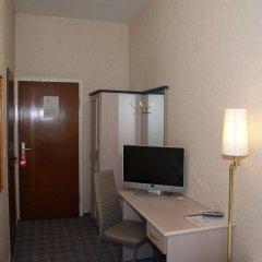 Отель Berg Германия, Кёльн - 12 отзывов об отеле, цены и фото номеров - забронировать отель Berg онлайн удобства в номере фото 2