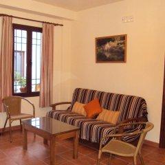 Отель Apartamentos Rurales Molino Almona комната для гостей