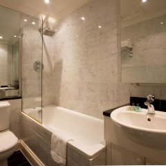 Mayflower Hotel and Apartments Лондон ванная
