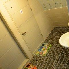 Отель Kimchee Hongdae Guesthouse ванная фото 2