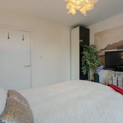 Отель 2 Bedroom Portobello Loft Flat Великобритания, Лондон - отзывы, цены и фото номеров - забронировать отель 2 Bedroom Portobello Loft Flat онлайн комната для гостей фото 5
