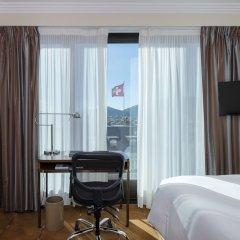 Отель Warwick Geneva Швейцария, Женева - 1 отзыв об отеле, цены и фото номеров - забронировать отель Warwick Geneva онлайн удобства в номере фото 2
