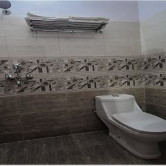 OYO 15555 Hotel Ganesham ванная