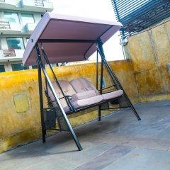 Отель Kestrels Colombo бассейн