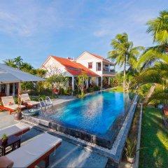 Отель Pomelo Garden Villa бассейн