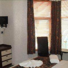 Fairway Hotel сейф в номере