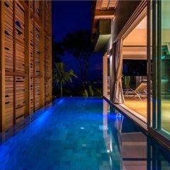 Отель Crest Resort & Pool Villas бассейн