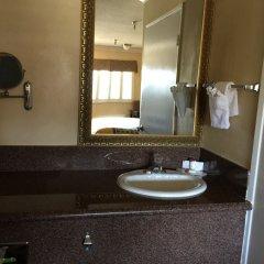 Отель Travelodge Chatsworth США, Лос-Анджелес - отзывы, цены и фото номеров - забронировать отель Travelodge Chatsworth онлайн ванная