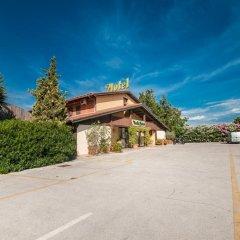 Отель La Vecchia Fattoria Италия, Лорето - отзывы, цены и фото номеров - забронировать отель La Vecchia Fattoria онлайн парковка