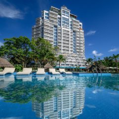 Andaman Beach Suites Hotel бассейн