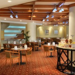 Отель Swiss-Belhotel Sharjah питание фото 3