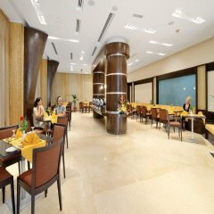 Отель Al Majaz Premiere Hotel Apartment ОАЭ, Шарджа - 1 отзыв об отеле, цены и фото номеров - забронировать отель Al Majaz Premiere Hotel Apartment онлайн питание