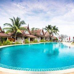Отель Thai Ayodhya Villas & Spa Hotel Таиланд, Самуи - 1 отзыв об отеле, цены и фото номеров - забронировать отель Thai Ayodhya Villas & Spa Hotel онлайн бассейн