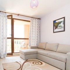 Апартаменты Alexandrovi Apartment in Cascadas Complex Солнечный берег комната для гостей фото 4