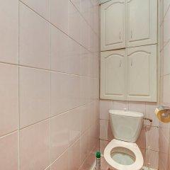 Апартаменты FlatStar Karavannaya 7A Apartments Санкт-Петербург ванная