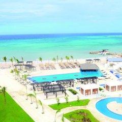 Отель Royalton Blue Waters - All Inclusive Ямайка, Дискавери-Бей - отзывы, цены и фото номеров - забронировать отель Royalton Blue Waters - All Inclusive онлайн пляж фото 2